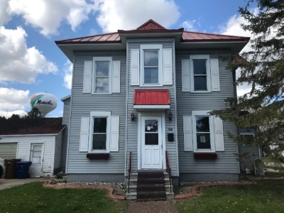 Menasha Single Family Home Active-No Offer: 366 Nicolet