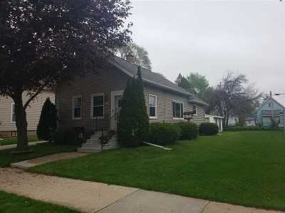 Oshkosh Single Family Home Active-No Offer: 1422 Cedar