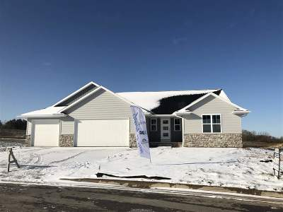 Green Bay Single Family Home Active-No Offer: 1223 Bay Mist
