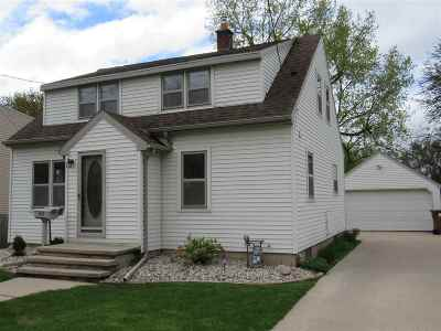 Menasha Single Family Home Active-Offer No Bump: 837 7th