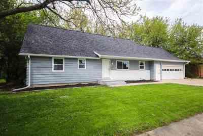 Oshkosh Single Family Home Active-No Offer: 920 Taft