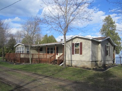 Menominee Single Family Home Active-Offer No Bump: N5542 Hwy M-35