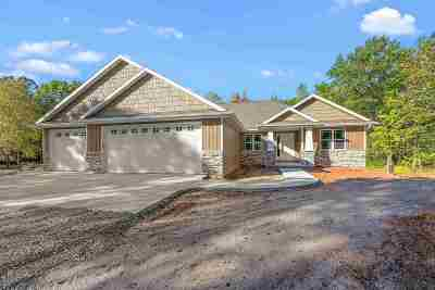 Howard, Suamico Single Family Home Active-No Offer: 3260 Anston