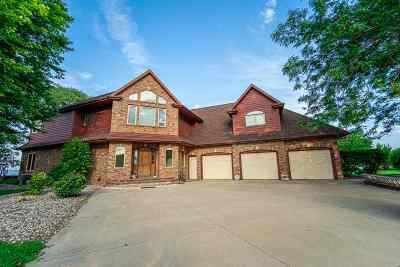 Oshkosh Single Family Home Active-No Offer: 3220 Old Orchard