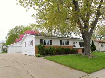 Oshkosh Single Family Home Active-No Offer: 991 Greenfield