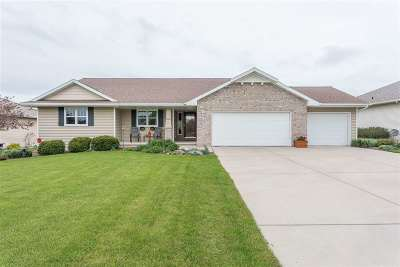 Green Bay Single Family Home Active-No Offer: 2306 Kaylee