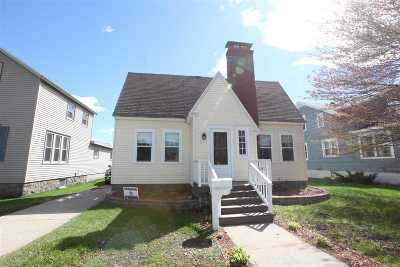 Marinette Single Family Home Active-No Offer: 1115 Carney