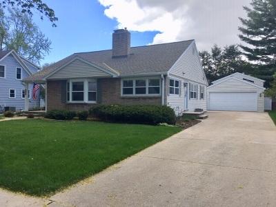 Green Bay Single Family Home Active-Offer No Bump: 1295 Oregon