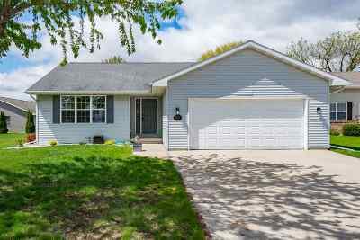 Oshkosh Single Family Home Active-No Offer: 2525 Old Alex