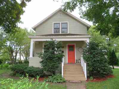 Neenah Single Family Home Active-No Offer: 312 W North Water