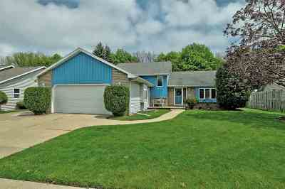 Kaukauna Single Family Home Active-Offer No Bump: 1300 Oriole