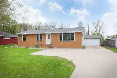 Menasha Single Family Home Active-Offer No Bump: 1675 Plank