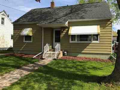 Oshkosh Single Family Home Active-No Offer: 432 W 8th