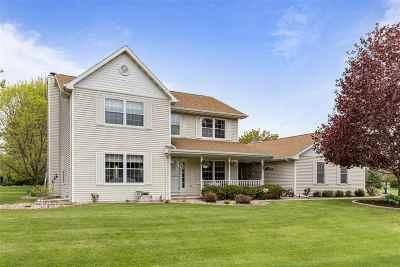 Oshkosh Single Family Home Active-No Offer: 3055 Rosewood
