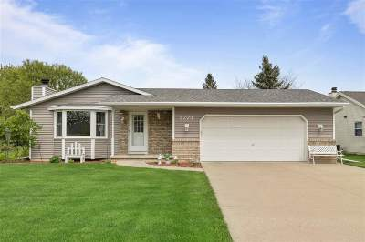 Neenah Single Family Home Active-Offer No Bump: 2273 Redtail
