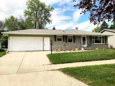 Green Bay Single Family Home Active-Offer No Bump: 1679 Westfield