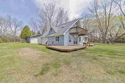 Peshtigo Single Family Home Active-Offer No Bump: W3177 Bay
