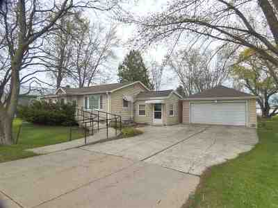 Green Bay Single Family Home Active-No Offer: 320 N Northview
