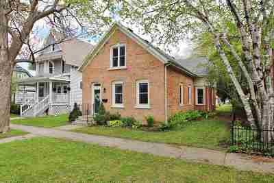 Green Bay Single Family Home Active-No Offer: 117 S Jackson