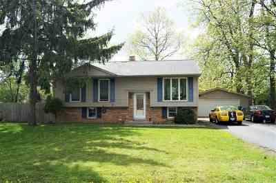 Neenah Single Family Home Active-Offer No Bump: 1523 Deerwood