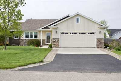 Neenah Single Family Home Active-Offer No Bump: 1437 Plains