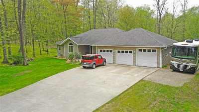 Waupaca Single Family Home Active-Offer No Bump: E2427 Pebble Run
