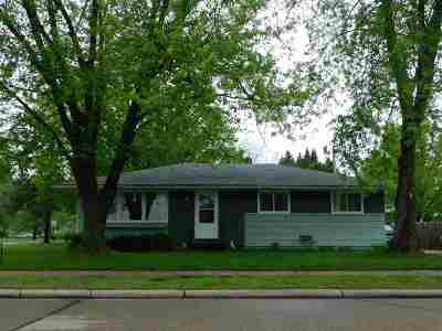 Shawano Single Family Home Active-Offer No Bump-Show: 503 E Ridlington