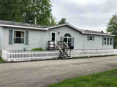 Oconto Single Family Home Active-No Offer: 3135 Hwy Ss