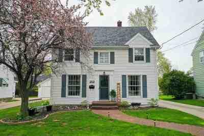 Menasha Single Family Home Active-Offer No Bump: 212 Frederick