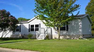 Oconto Single Family Home Active-No Offer: 505 Clark