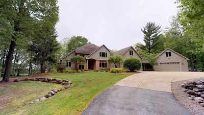 Green Bay Single Family Home Active-No Offer: 3385 Maryknoll