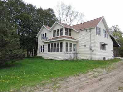 Gillett Single Family Home Active-No Offer: 128 S Green Bay