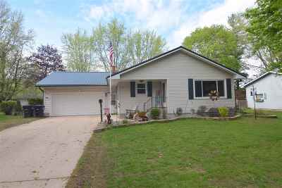 Shawano Single Family Home Active-No Offer: 1109 Valley