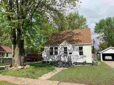 Shawano Single Family Home Active-No Offer: 718 S Hamlin