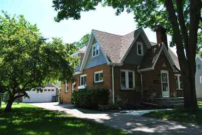 Neenah Single Family Home Active-No Offer: 636 Grove