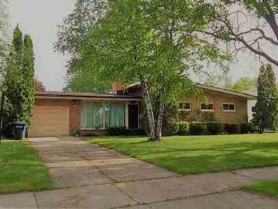 Oshkosh Single Family Home Active-Offer No Bump-Show: 1512 W 5th
