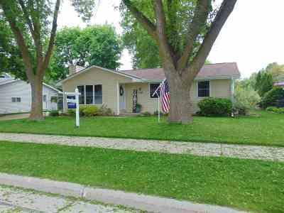 Little Chute Single Family Home Active-Offer No Bump: 1010 Cedar
