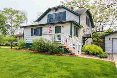 Waupaca Single Family Home Active-No Offer: 515 Center