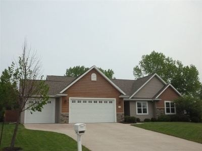 Greenville Single Family Home Active-Offer No Bump: W7182 Fox Hollow