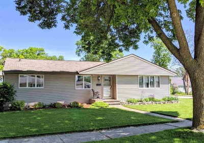 Kaukauna Single Family Home Active-Offer No Bump: 412 E 19th