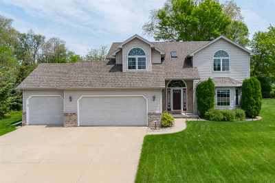 Neenah Single Family Home Active-No Offer: 1508 Buck