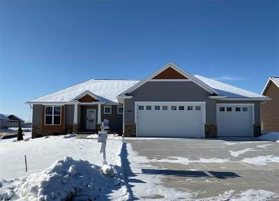 Appleton Single Family Home Active-No Offer: 3525 Golden Hill