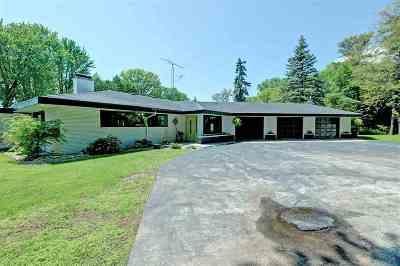 Menasha Single Family Home Active-Offer W/Bump: W6747 Firelane 5