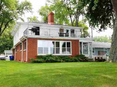 Menasha Single Family Home Active-Offer No Bump-Show: 1623 Brighton Beach