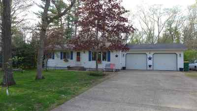 Waupaca Single Family Home Active-Offer No Bump-Show: E2626 Lindee