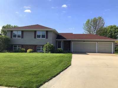 Appleton Single Family Home Active-No Offer: 2021 W Seneca