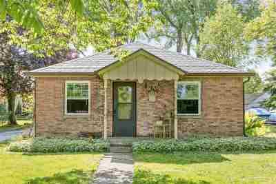 Menasha Single Family Home Active-No Offer: 956 S Oneida