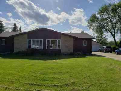 Menasha Multi Family Home Active-Offer No Bump: 1390 Home