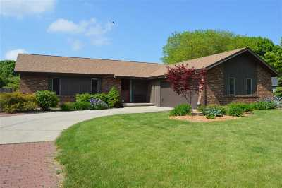 Menasha Single Family Home Active-Offer No Bump: 1312 Stardust