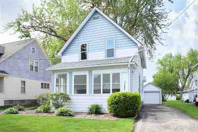 Appleton Single Family Home Active-No Offer: 1127 W 8th